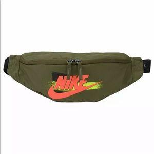 Nike HERITAGE Fanny Pack Crossbody Travel Belt Bag
